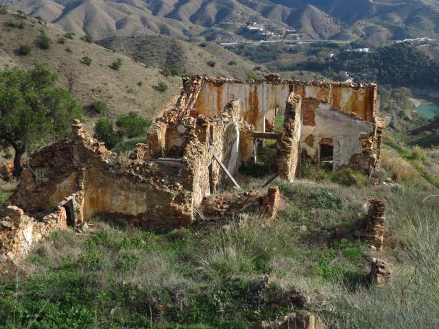 """Ruinas del Cortijo El Comandante (foto extraída del sitio """"Lagares y Cortijos"""""""